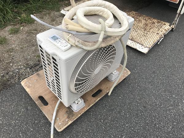 神戸市近郊でエアコンを取り外してお引取りしました。